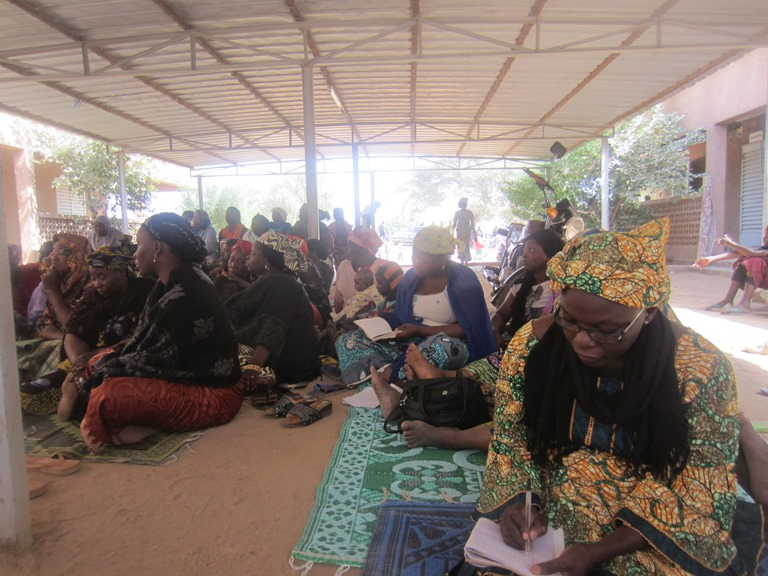 Mass in an improvised setting in Niger